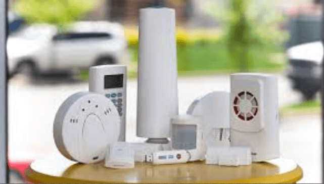 Top 10 Smart Home Devices For 2019 - SimpliSafe Home Security System