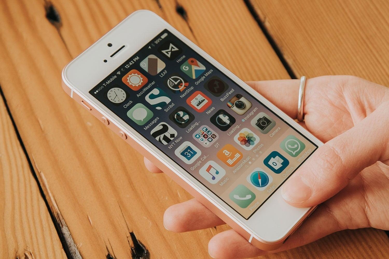 How to unlock iPhone SE - techsmartest.com