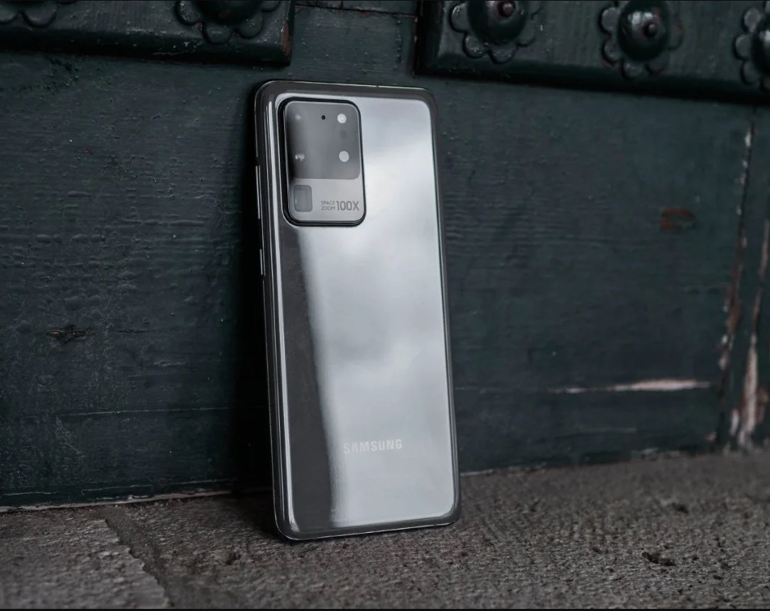 Exynos 990 vs Snapdragon 865 are the two variants of the Samsung Galaxy S20 the same