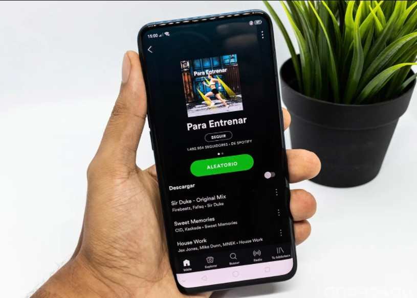 How to move your Spotify playlists to another account or to another service