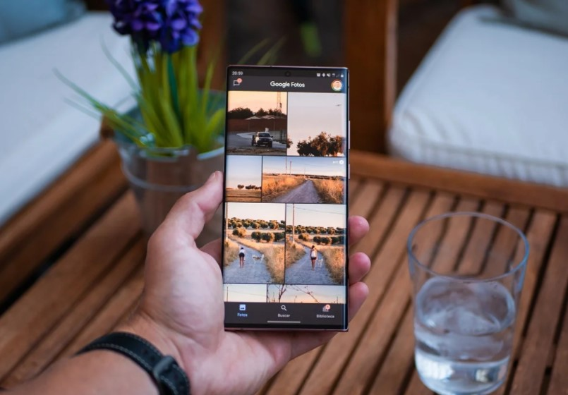 How to download specific photos and videos