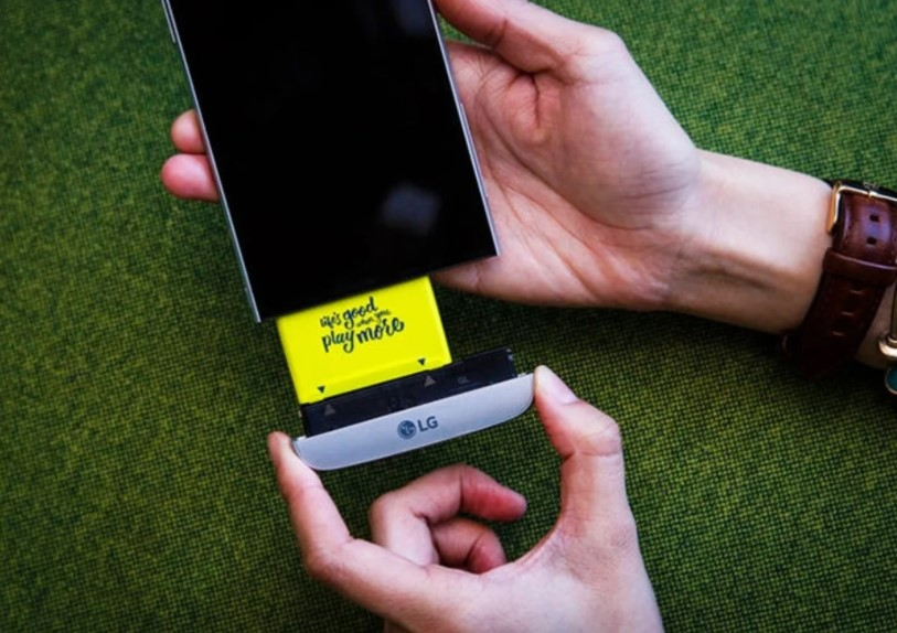 Why we would like to see mobile phones with a removable battery again 1